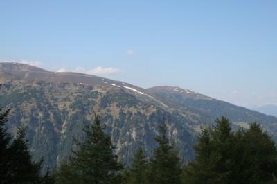 Blick auf den Sattelberg während der Fahrt zur Enzianhütte